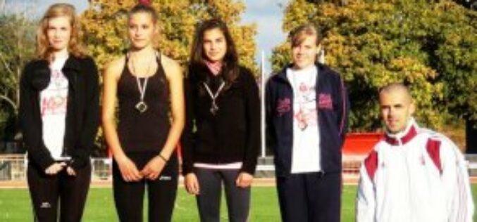 Négy érmet zsebeltek be a KARC-KESI atlétái a hétvégi csapatbajnokságon