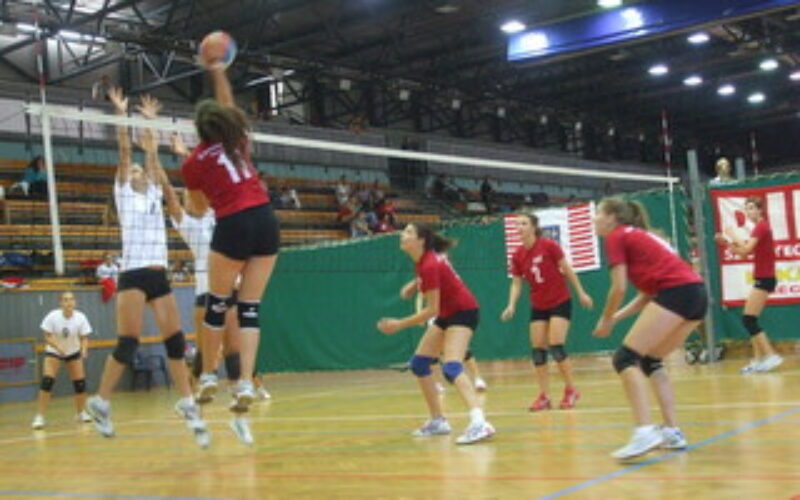 Nemzetközi felkészülési tornán vettek részt a serdülő leány röplabdázók