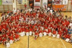 Színvonalas tornán a negyedik és hatodik helyen végeztek a KESI leány kosárlabdázói