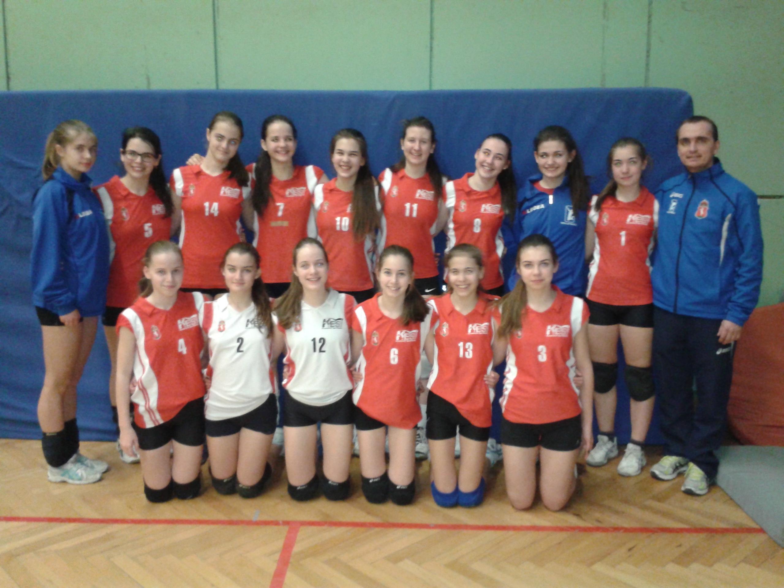 Csizmadia Szabolcs és a csapat_KESI