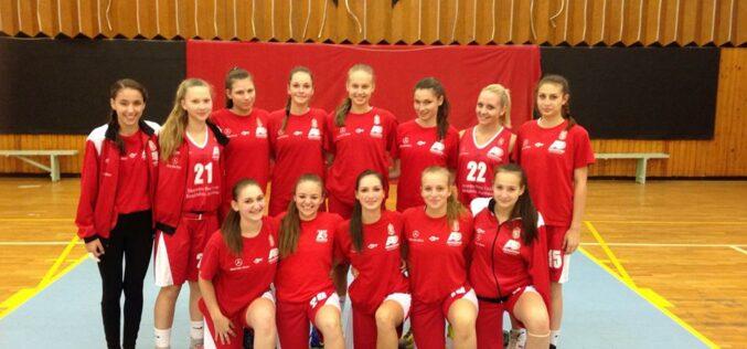 Országos döntőbe jutott a Mercedes-KA kadett (U17) lány csapata