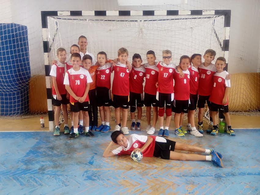 U10-es fiú kézilabdacsapat Szabó Gabriella edzővel