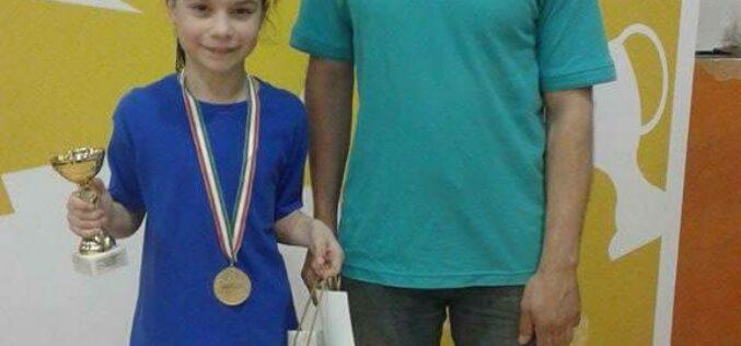 Polónyi Nóra nyerte az országos asztalitenisz diákolimpiát