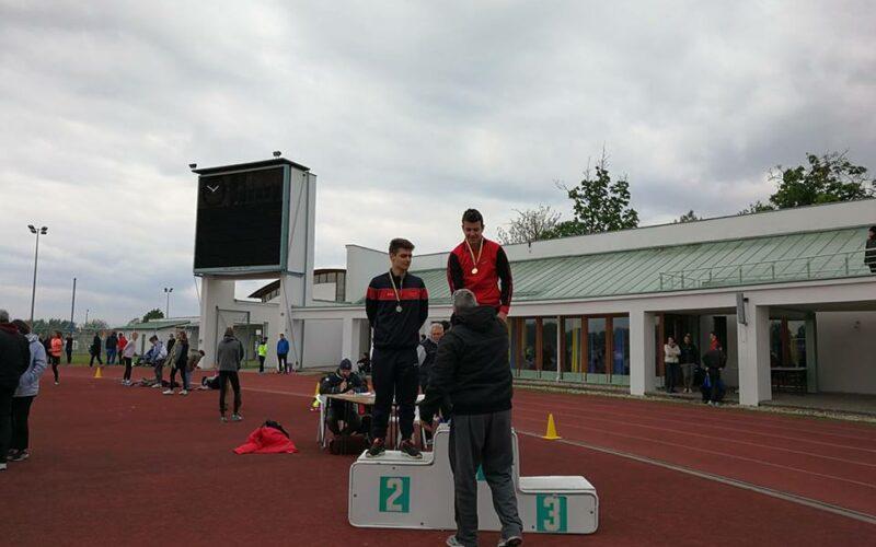 Három helyszínen is elkezdték a szabadtéri idényt a KARC-KESI atlétái