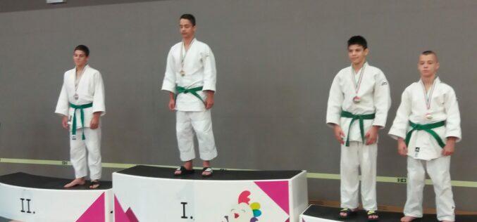 Hrabovszky Richárd ezüstérmet szerzett a Serdülő B Országos Bajnokságon