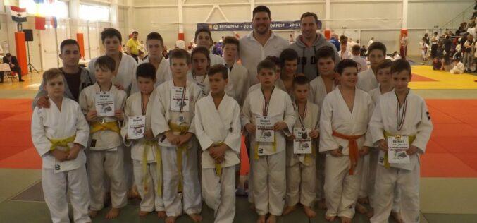 Mórahalmon kezdték meg idei szereplésüket a KESI judosai