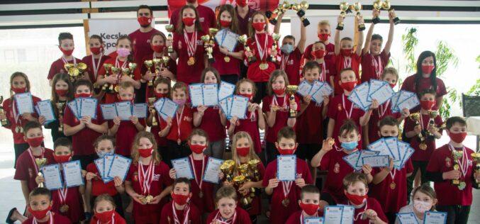 A KESI megrendezte az I. Nyuszi Kupa házi úszóversenyét
