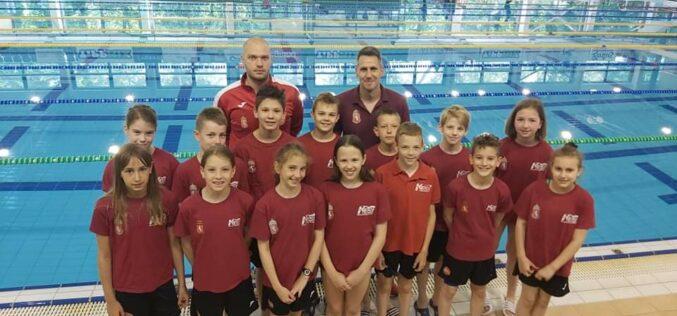 Nemzetközi úszóversenyen indultak a Sportiskola növendékei