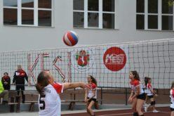 A tanévnyitón adták át a szabadtéri röplabda pályákat a Zrínyiben
